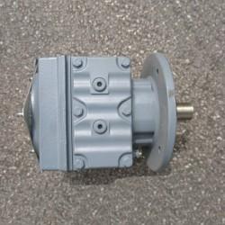 SEW Réducteur RF37/A pour moteur DT80